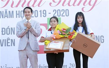 Đại học Duy Tân Tổ chức Lễ Khai giảng năm học 2019-2020 & Chào đón Tân sinh viên Khóa 25 Tựu trường