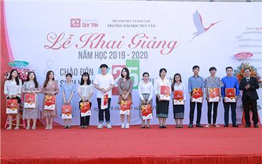 Trường Đại học Duy Tân đón Tân Sinh viên khóa 25