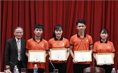 Trò chuyện với Sinh viên Duy Tân về Tinh thần Khởi nghiệp