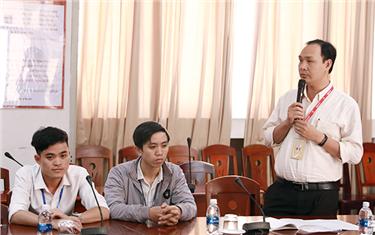 Công đoàn Đại học Duy Tân Trao quà Hỗ trợ Đoàn viên có Hoàn cảnh Khó khăn