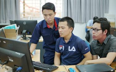 Sinh viên Duy Tân đoạt giải Dự án Xuất sắc trong Cuộc thi Intel Innovative FPGA