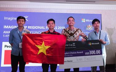 """Kết thúc Imagine Cup 2018, vòng Chung kết Khu vực Châu Á: Đại học Duy Tân Vinh dự nhận Giải """"Nhà Vô địch của Nhân dân"""""""
