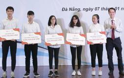 Duy Tân trao Học bổng, Phát thưởng lên tới hơn 11 tỉ trong Lễ Kỷ niệm 68 năm Ngày Học sinh Sinh viên Việt Nam - 2018