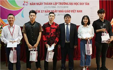 Lễ Trao giải Cuộc thi viết về Đại học Duy Tân