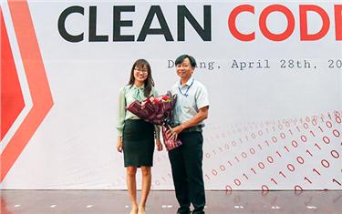 """Sự kiện """"Clean Code"""" và tuyển Thực tập sinh của Công ty Sioux tại Đại học Duy Tân"""