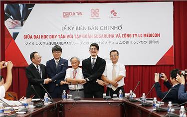 Lễ ký kết Biên bản Ghi nhớ giữa Đại học Duy Tân với Tập đoàn Sugaruma và Công ty LC Medicom