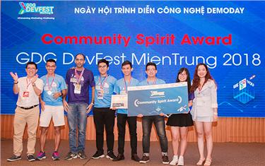 Sinh viên Duy Tân Vô địch cuộc thi GDG Devfest 2018