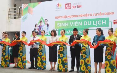 Hơn 1.000 Sinh viên Tham gia Ngày hội Việc làm ngành Du lịch