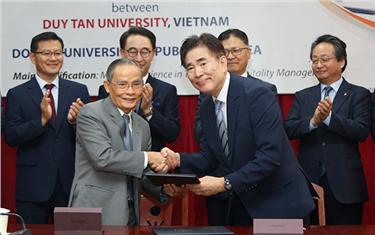 Ký kết Đào tạo Thạc sỹ ngành Du lịch giữa Đại học Duy Tân Đà Nẵng và Đại học Dong-A (Hàn Quốc)