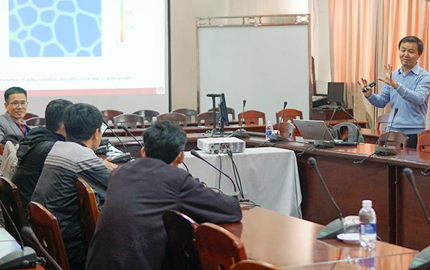 Seminar Mô hình hóa, Tính toán Hư hỏng của Kết cấu và Vật liệu tại Đại học Duy Tân