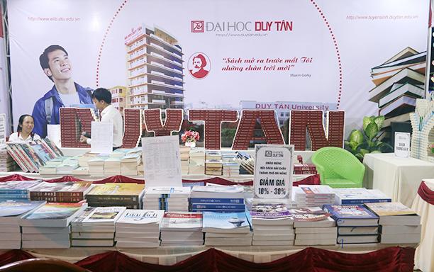 DTU Participates in the 2018 Hai Chau Book Fair