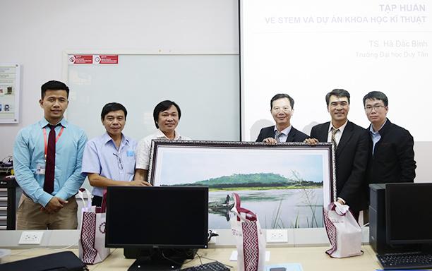 DTU Offers STEM Training Course for Quang Ngai Informatics Teachers