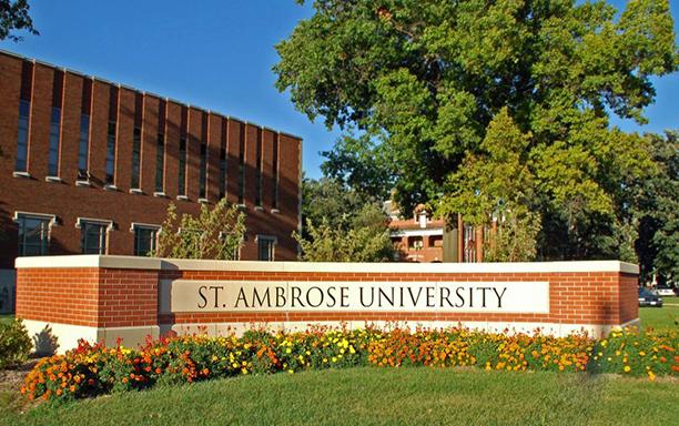 Dr. Doan Tranh Visits St. Ambrose University
