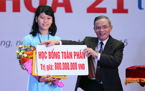 Student Nguyen Thi Thanh and Overcoming Prejudice against Private Universities