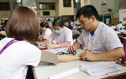 Rộn ràng Ngày hội Hiến máu Nhân đạo tại Đại học Duy Tân