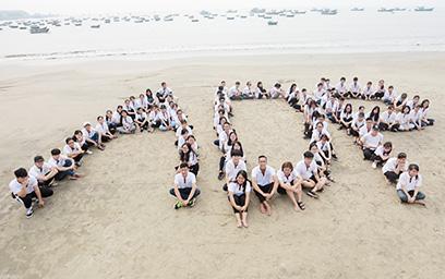 """Sinh viên Chương trình 'Lấy bằng Mỹ tại Đại học Duy Tân"""" chào đón APEC 2017"""