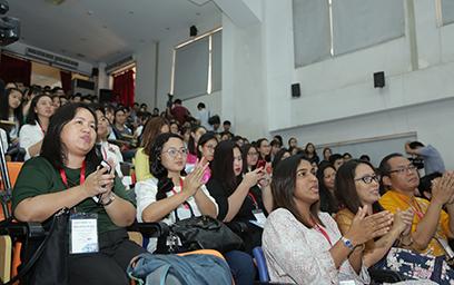 Hàng trăm giảng viên, sinh viên của các trường đại học khu vực Đông Nam Á tham dự sự kiện.