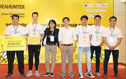 Sinh viên Duy Tân giành gi?i Nhì Cu?c thi IdeaHunter 2018