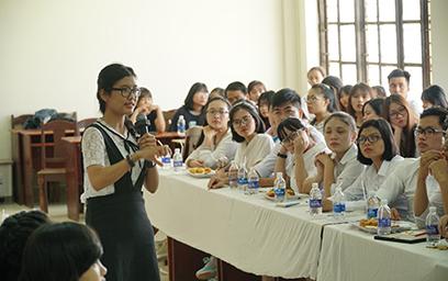 Sinh viên Khoa Luật Đại học Duy Tân Giao lưu với Đại học Kinh tế Luật