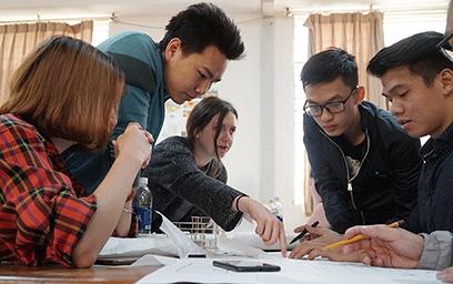 Sinh viên Duy Tân cùng Sinh viên Cal Poly Xây dựng Đồ án Thành phố Nông nghiệp Hiện đại