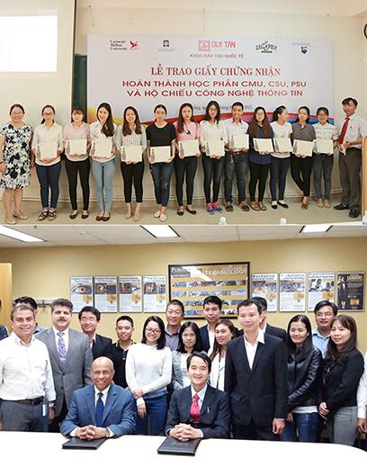 ĐH Duy Tân trao chứng chỉ quốc tế cho sinh viên theo học Chương trình Tiên tiến CMU (ảnh trên) và ĐH Duy Tân ký kết với ĐH Purdue (Northwest) để đào tạo Điện - Điện tử (ảnh dưới)