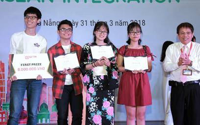 """Hướng đến Hội nghị Sinh viên ASEAN 2018 tại Đà Nẵng: Giao lưu tiếng Anh với Chủ đề """"Hội nhập"""""""
