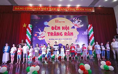 Đêm hội Trăng rằm Rộn rã tại Đại học Duy Tân