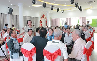 """Đại học Duy Tân với chương trình Gặp gỡ """"Một thời sống đẹp"""""""