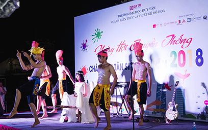 Ngày hội Chào đón Tân sinh viên Rực rỡ Sắc màu của Khoa Kiến trúc