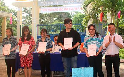 Đại học Duy Tân Tư vấn Tuyển sinh tại THPT Nguyễn Thượng Hiền