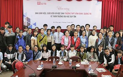 Trường THPT Vĩnh Định đến thăm Đại học Duy Tân