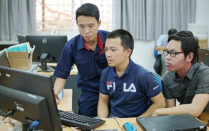 Hệ thống Cảnh báo Ngủ gật, ngăn Tai nạn Giao thông của hai Sinh viên