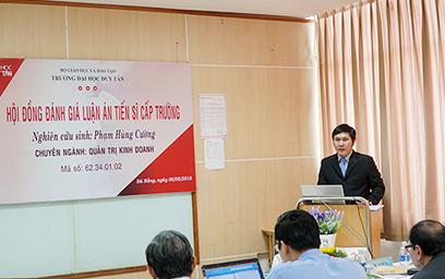 Lễ Bảo vệ Luận án Tiến sĩ Chuyên ngành Quản trị Kinh doanh của Nghiên cứu sinh Phạm Hùng Cường