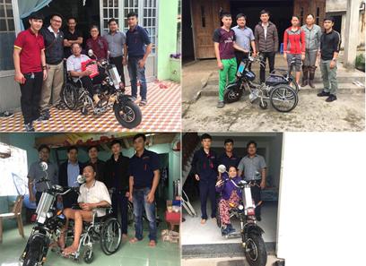 Cán bộ CEE, Đại học Duy Tân trao xe lăn điện tận nhà cho người khuyết tật
