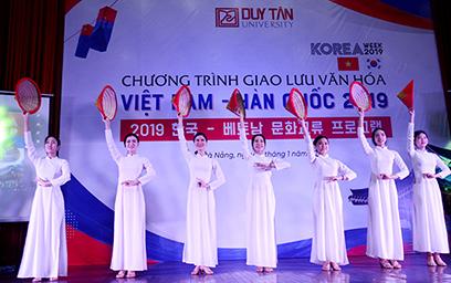 Lời chào từ Đà Nẵng, Việt Nam