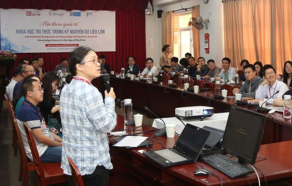 """Hội thảo Quốc tế """"Khoa học Tri thức trong Kỷ nguyên Dữ liệu lớn"""" tại Đại học Duy Tân"""