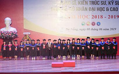 Đại học Duy Tân Tổ chức Lễ Trao bằng Tốt nghiệp năm 2019