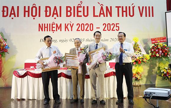 Ð?i h?i Ð?i bi?u Ð?ng b? tru?ng Ð?i h?c Duy Tân l?n th? VIII, nhi?m k? 2020-2025