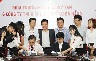 Đại học Duy Tân Ký kết Hợp tác với Công ty Rikkeisoft 2G6A9924c-2