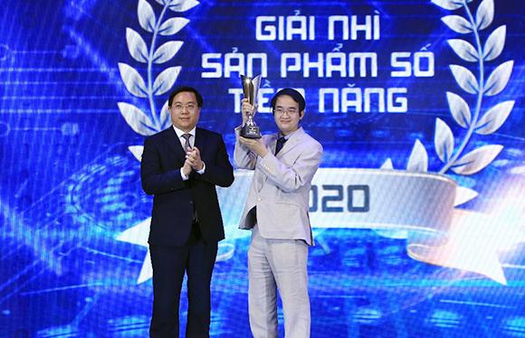 Trao giải nhì sản phẩm số tiềm năng 2020 cho ứng dụng 3D trong Y học của Đại học Duy Tân
