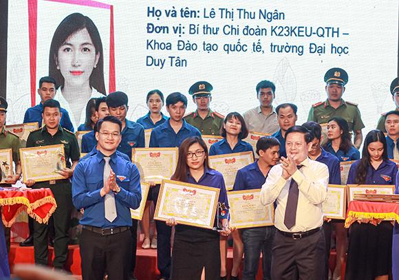 6 Gương mặt trẻ Duy Tân Vinh dự được Thành đoàn Đà Nẵng Tuyên dương và Khen thưởng