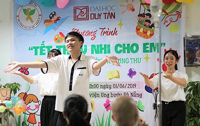 Khoa Y Duy Tân Đồng hành cùng Bệnh nhi Ung thư