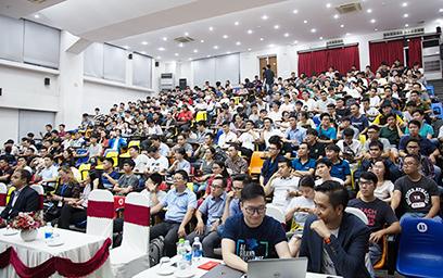 """Sinh viên Duy Tân hòa mình vào Sự kiện Info Seminar """"AI IS NOW"""" _O6A9198-2c-67"""