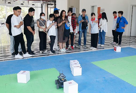 Đại học Duy Tân Giao lưu với đoàn Giảng viên và Sinh viên Trường Đại học Kinh tế - Luật, Đại học Quốc gia Tp. HCM