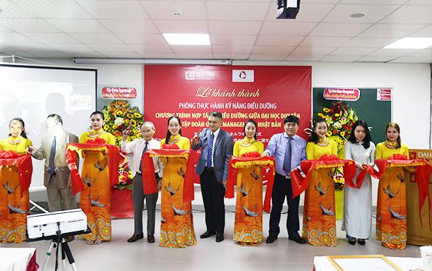 Lễ Khánh thành Phòng Thực hành Kỹ năng Điều dưỡng tại Đại học Duy Tân