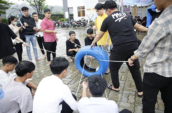 DTUers Vui chơi Hết mình trong Ngày hội Khai giảng Năm học mới
