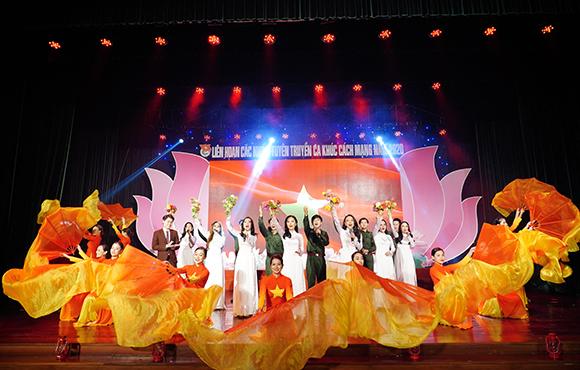 Đội văn nghệ của ĐH Duy Tân vào Chung kết Liên hoan Các nhóm Tuyên truyền Ca khúc Cách mạng năm 2020