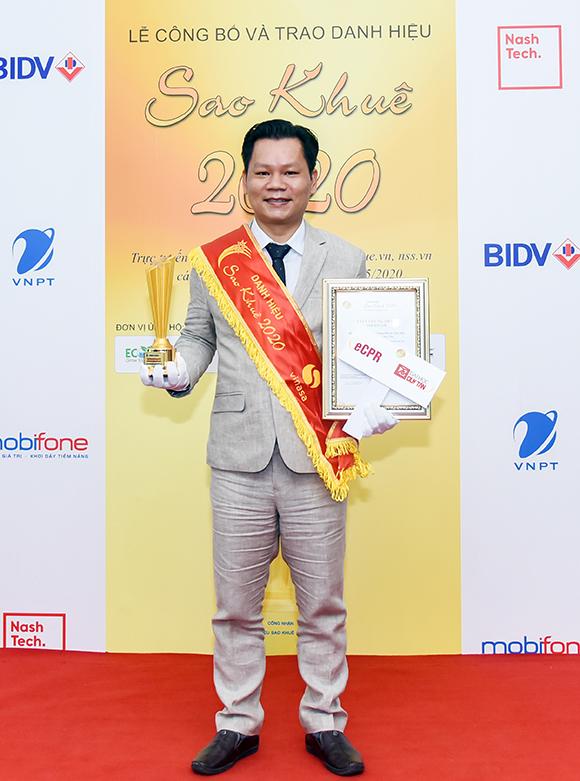 ThS. Lê Văn Chung - Giám đốc Trung tâm Mô phỏng Mô hình hóa (CVS) nhận Danh hiệu Sao Khuê 2020
