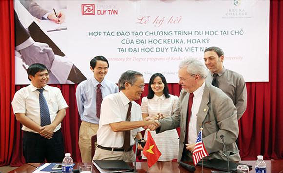 Học và lấy bằng Đại học Mỹ ở Việt Nam: Du học tại chỗ ở DTU