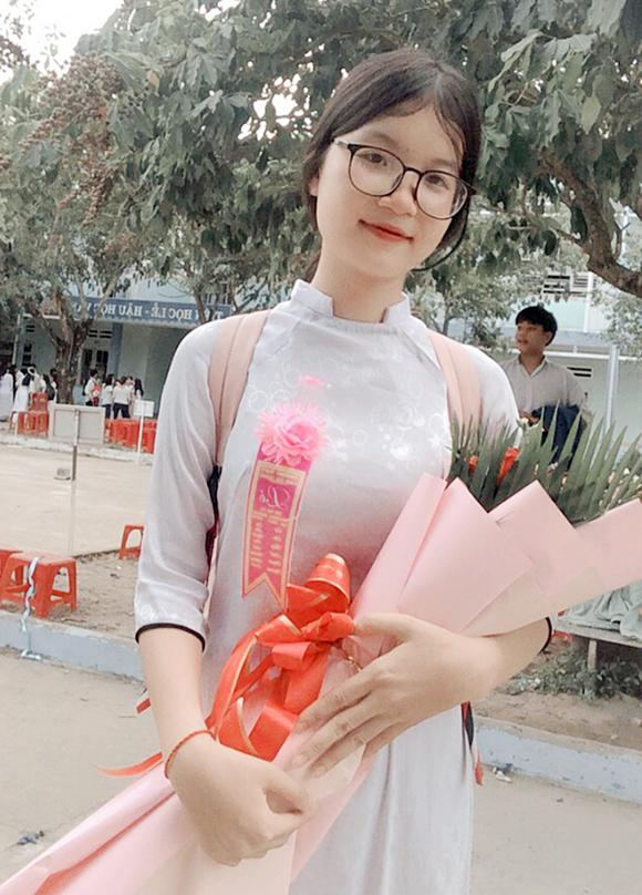 Nữ sinh đạt 9,25 môn Ngữ văn xét tuyển vào Trường Đại học Duy Tân